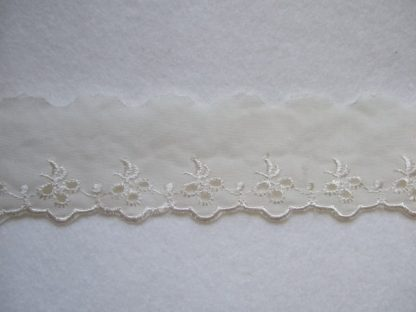 IVORY EMBROIDERY ANGLAIS LACE EDGING 40mm/1.5'' wide  (per meter)